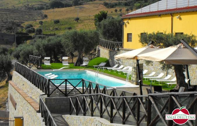 Il casale valle dell etna piscina